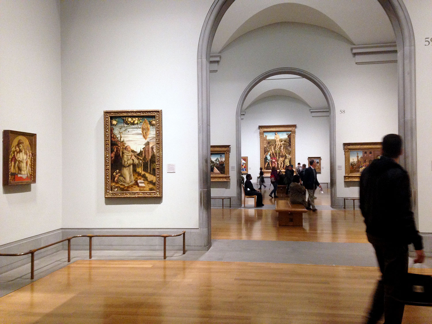 Fig. 3. View of the Sainsbury Wing. Photograph taken by the author.